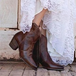 Shoespie Stylish Chunky Heel Pointed Toe Plain Vintage Boots