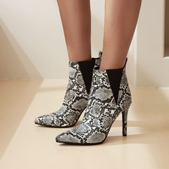 Shoespie Trendy Round Toe Slip-On Color Block Serpentine Boots