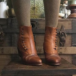 Shoespie Stylish Chunky Heel Round Toe Slip-On Button Boots