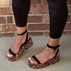 Shoespie Stylish Buckle Round Toe Strappy Western Sandals