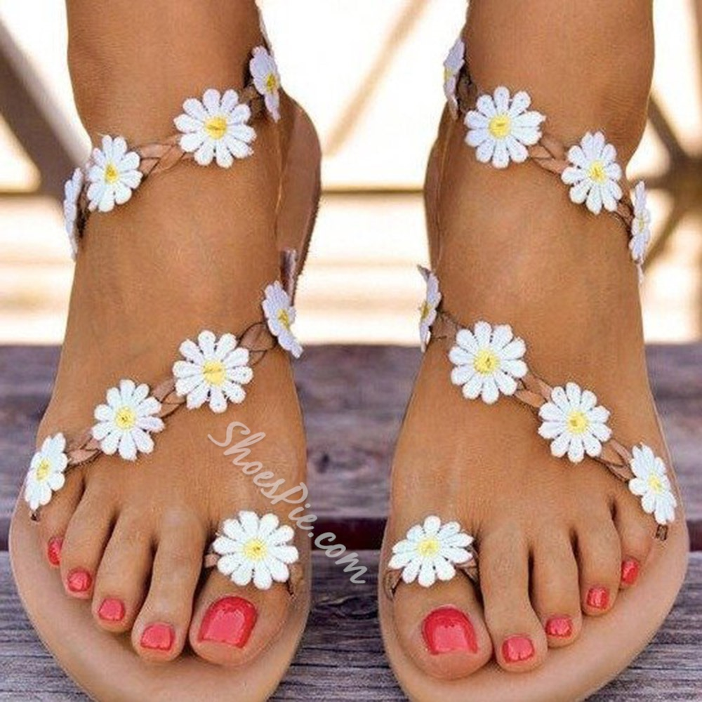Shoespie Trendy Ankle Strap Flat With Toe Ring Appliques Sandals
