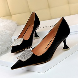 Shoespie Trendy Sequin Pointed Toe Slip-On Heel Shoes