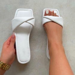 Shoespie Trendy Flat With Slip-On Toe Ring Summer Slippers