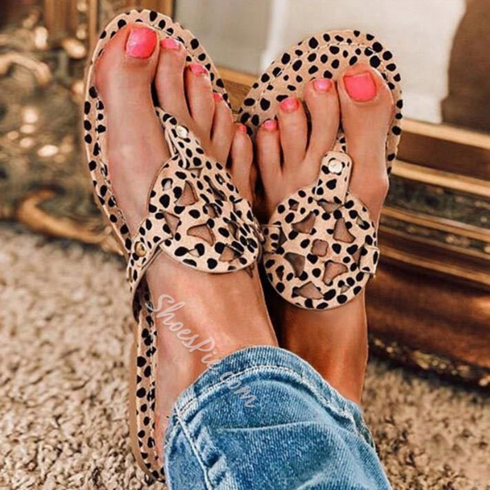 Shoespie Trendy Slip-On Flat With Hollow Beach Slippers