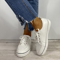 Shoespie Sexy Round Toe Lace-Up Low-Cut Upper Outdoor Sneakers