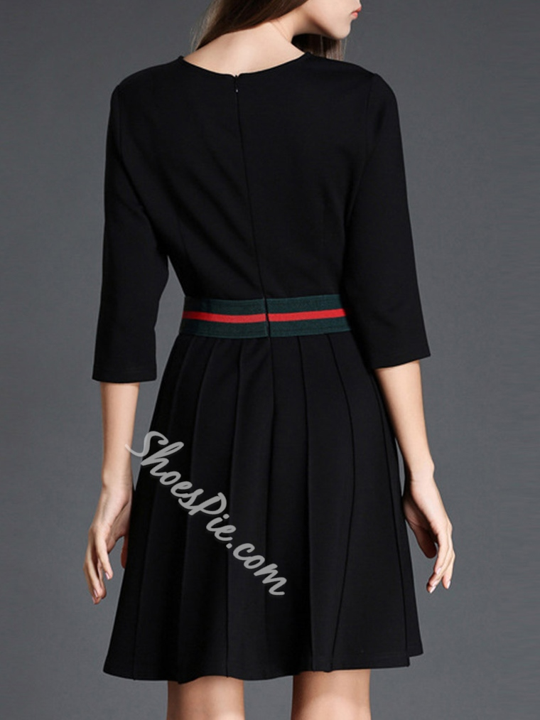 Shoespie Embroidery Round Neck Three-Quarter Sleeve A-Line Dress