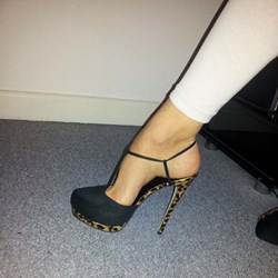 Shoespie Awesome Black T Strap Platform Heels