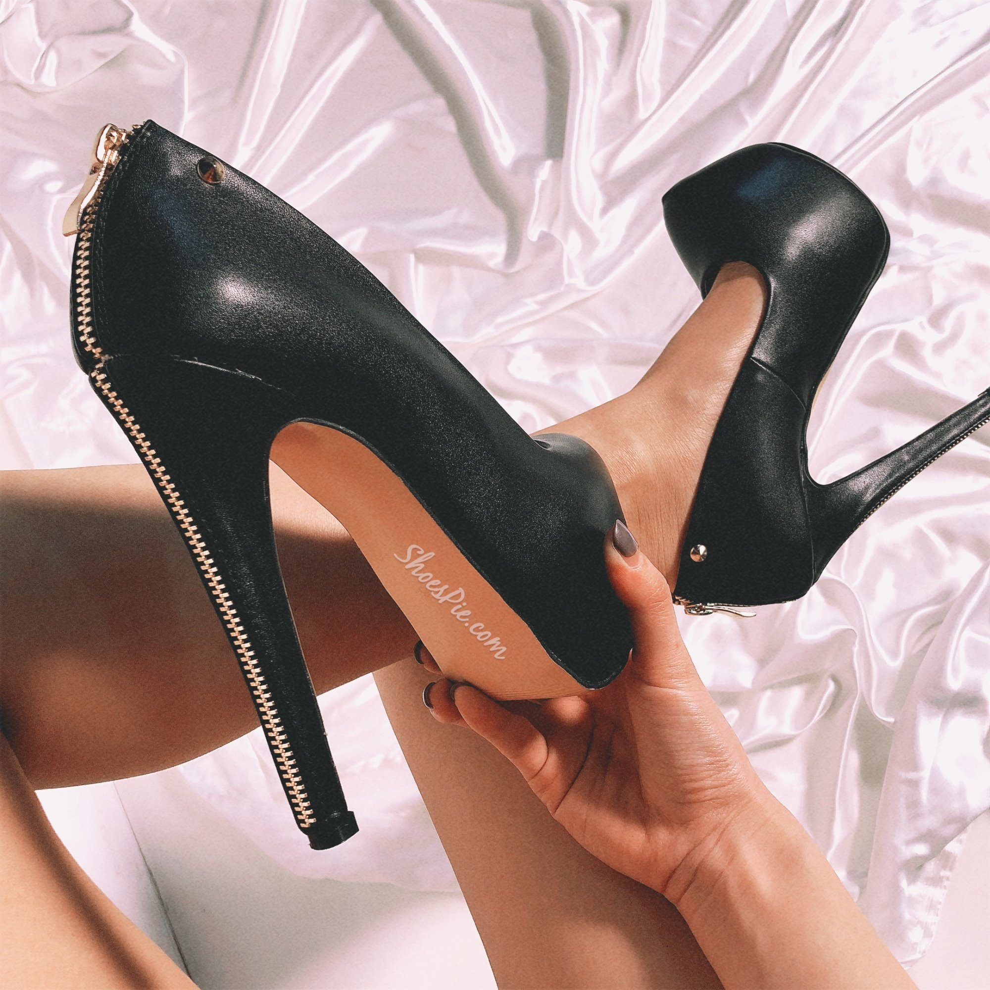 Black Concise Zipper Decorated Platform Stiletto Heels