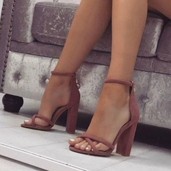 Shoespie Sexy Rose Heel Covering Open Toe Chunky Heel Sandals