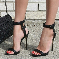 Shoespie Trendy Black Open Toe Buckle Stiletto Heel Sandals